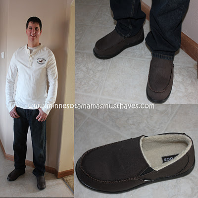 2011 Holiday Gift Guide: Crocs for the whole family! Review of Crocs Styles!
