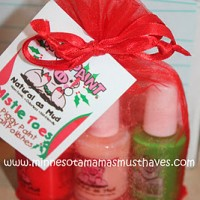 2011 Holiday Gift Guide: Piggy Paint Mistle Toes Gift Set Review & Coupon Code!!