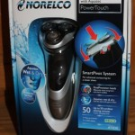 Great Gift Idea for the Man On Your List! Philips Norelco PowerTouch Shaver With Aquatec