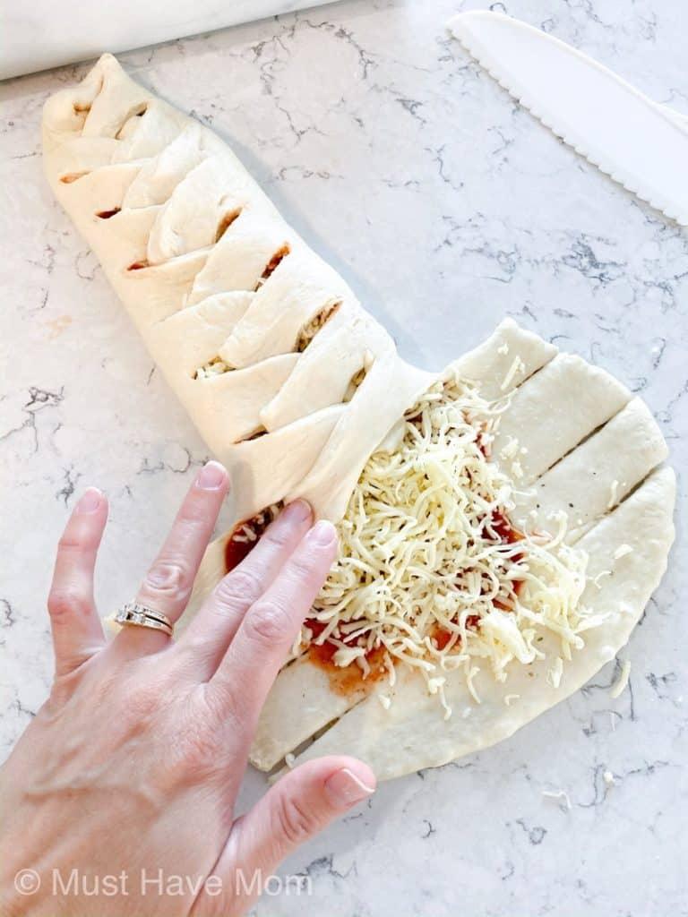how to create a pizza braid