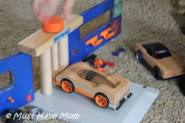 Win Motorworks Toys Wood Vehicles & Interchangeable Accessory Set from Must Have Mom! Ends 10/28