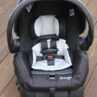 Must Haves For Mom & Baby Event: Snugli Infant Car Seat {Review}
