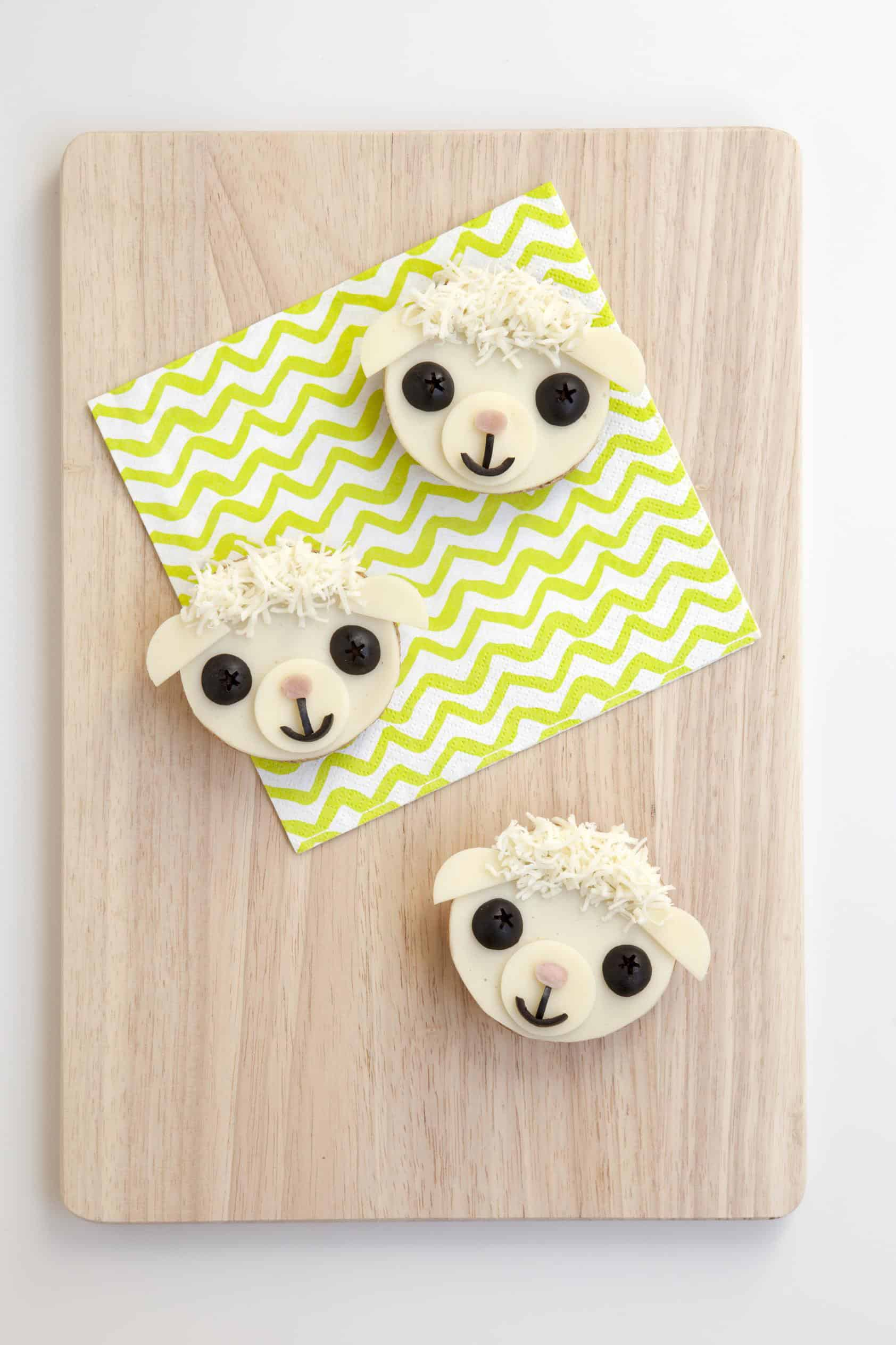 Cute Easter Little Lambwich for the Kids! Recipe & Instructions