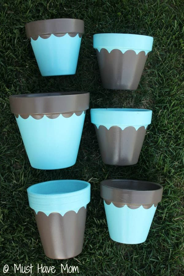 DIY Topsy Turvey Flower Planter Step 3 - Must Have Mom
