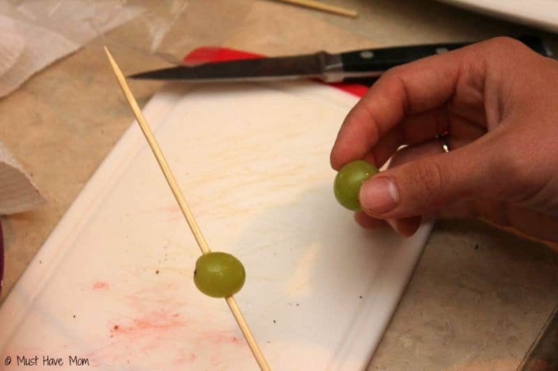 How to make grape caterpillars - Must Have Mom