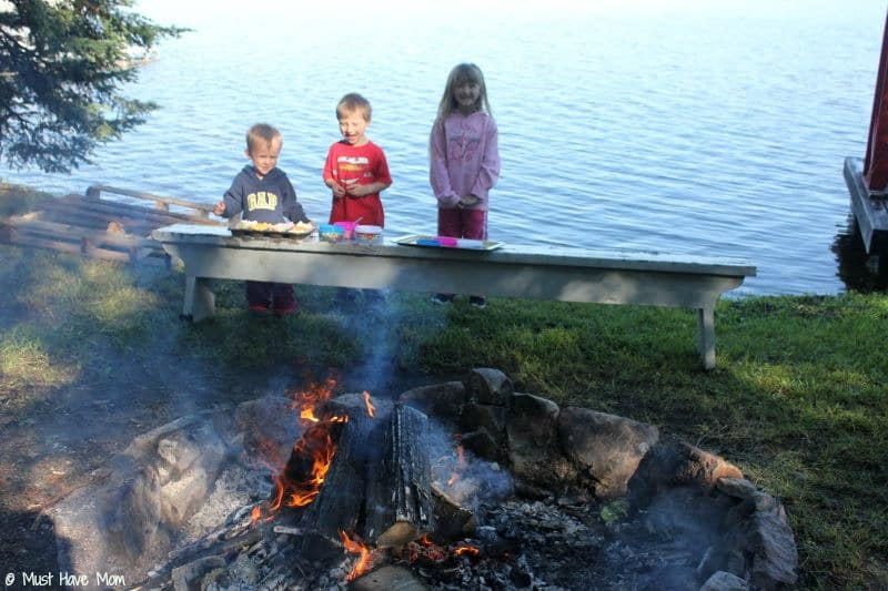 Mess-Free Bonfire Snack Ideas - Must Have Mom #GoodNightSnack #Shop