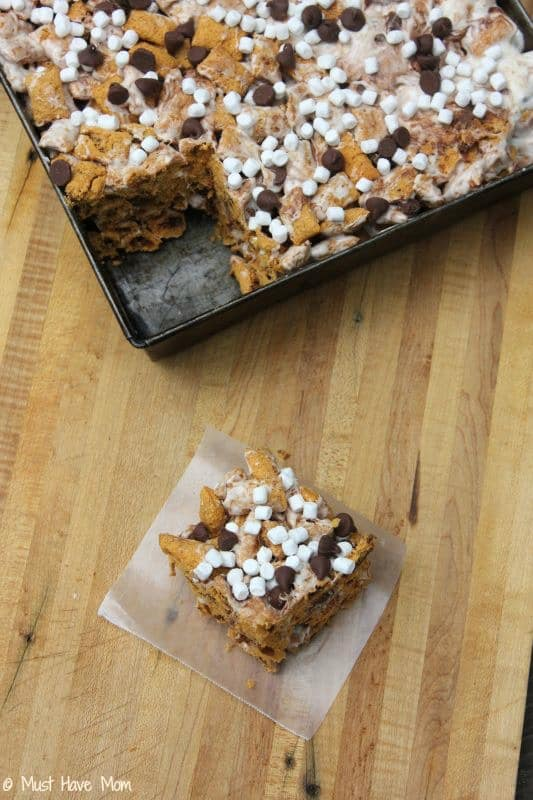 Mess-Free S'Mores Bars for the Bonfire #GoodNightSnack #Shop - Must Have Mom