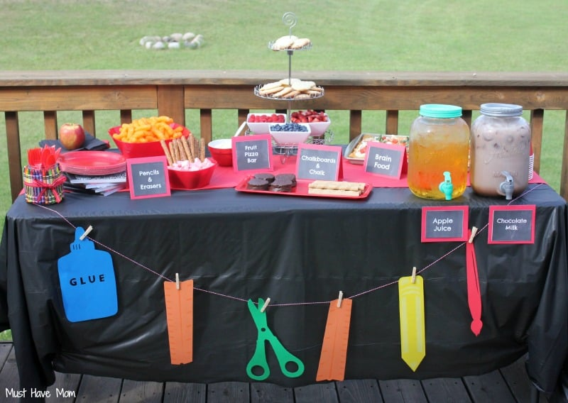 Backyard back to school party free printables food ideas for Back to school party decoration ideas