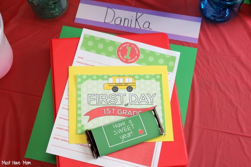 Back to School Party Place Setting with Free Printables & Ideas