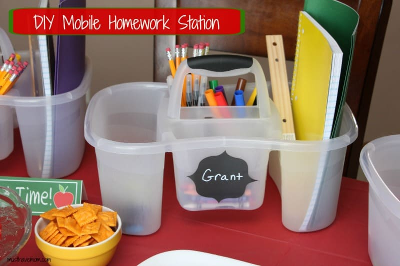 DIY Mobile Homework Station -musthavemom.com