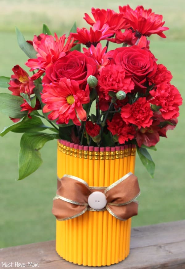 DIY Teacher Gift Idea Pencil Vase