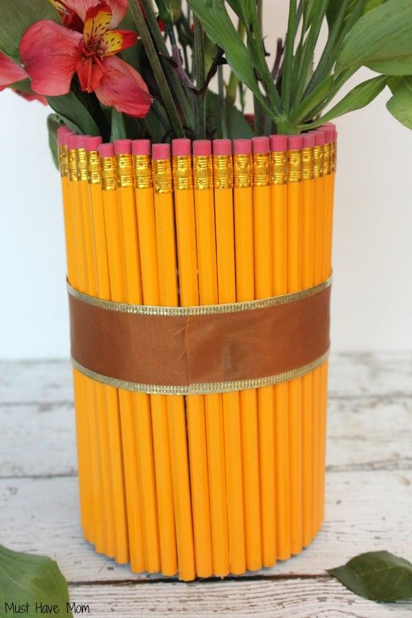 DIY Teacher Gift Pencil Vase Step 4