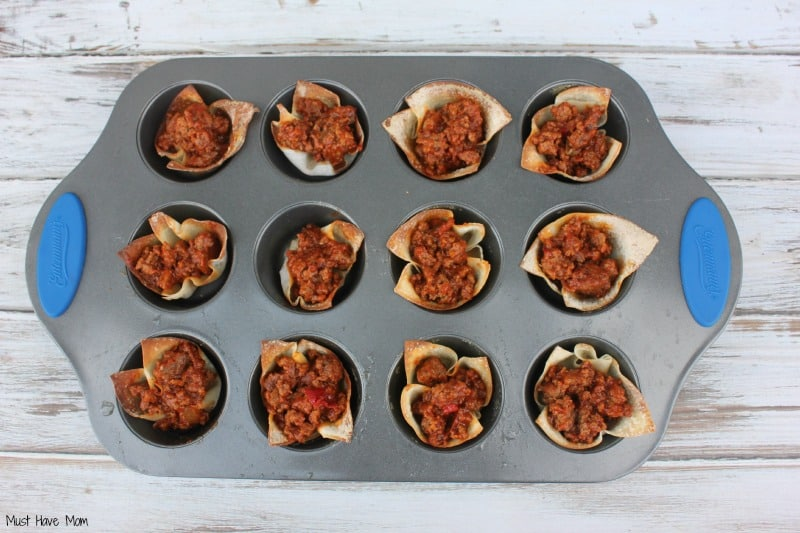 Sloppy Joe Wonton Cups -Musthavemom.com