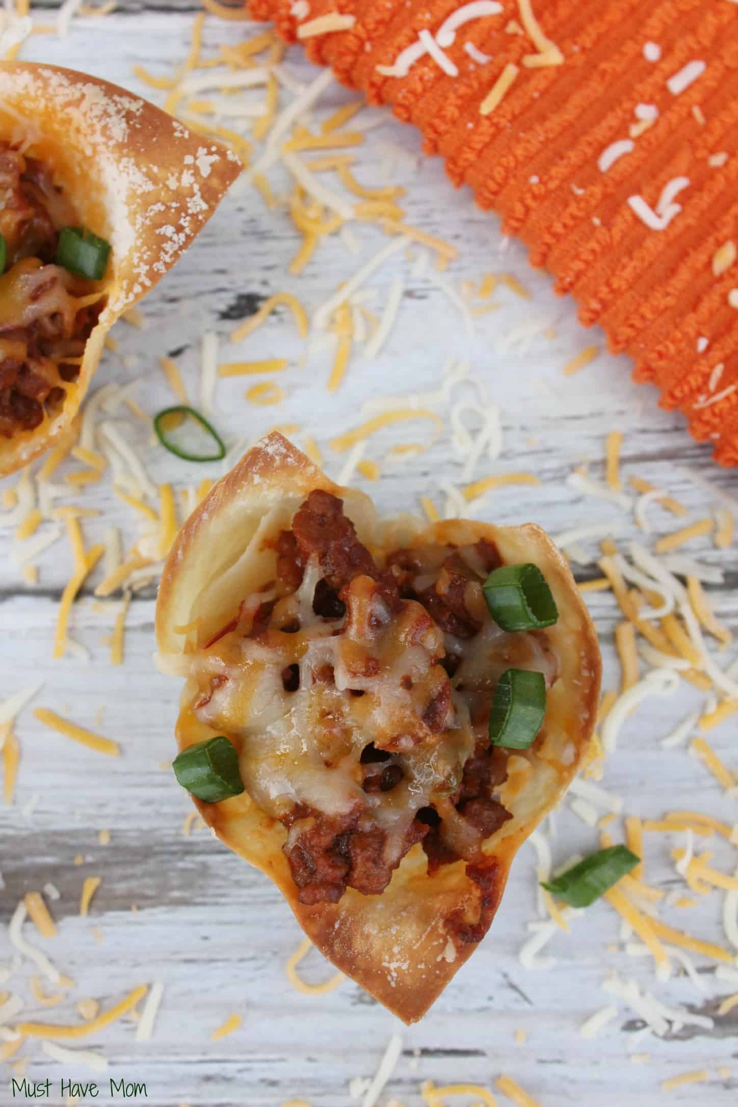 Sloppy Joe Wonton Cups Recipe -Musthavemom.com