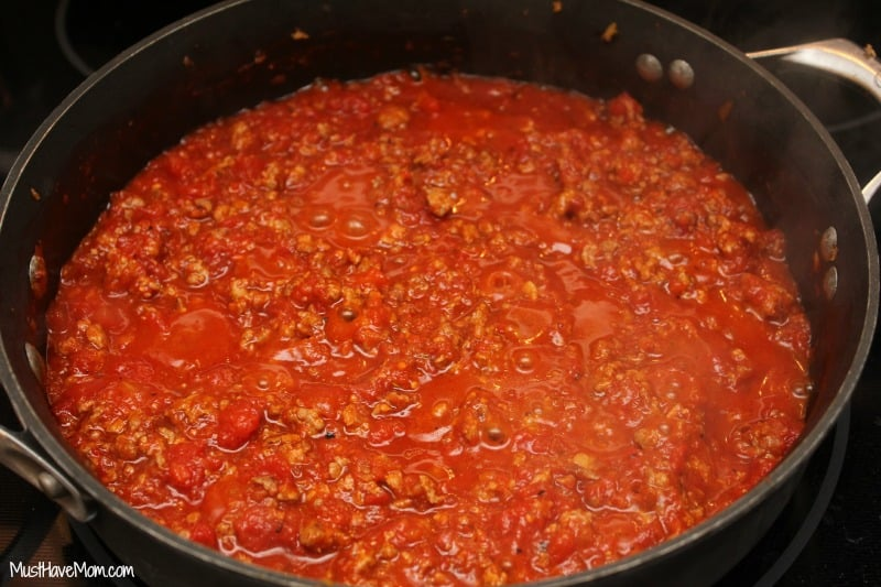 Pork & Red Pepper Ragu Recipe -Musthavemom.com