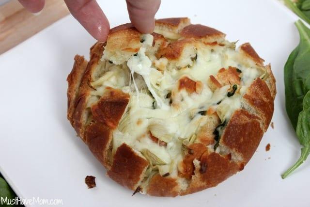 Pull Apart Bread - Spinach & Artichoke Dip