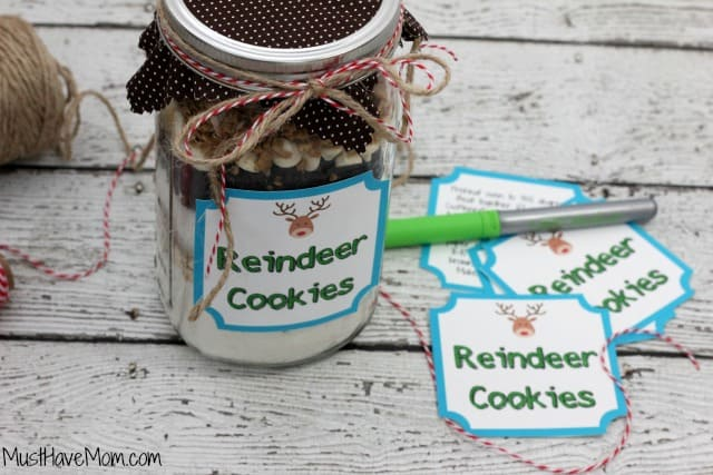 Reindeer Cookies In A Jar with free printable tags