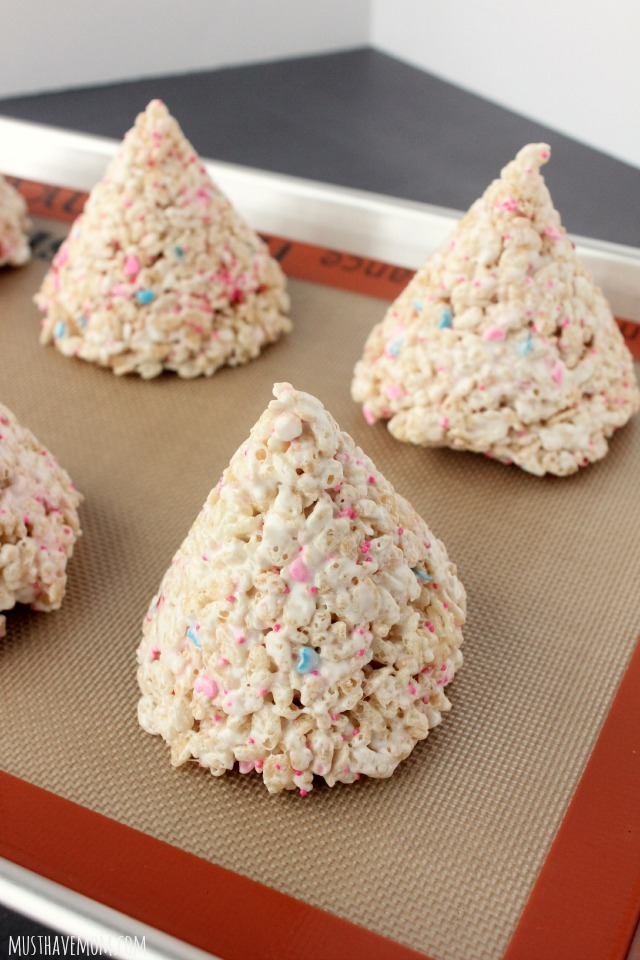 Rice Krispie Cone Shape for Kisses