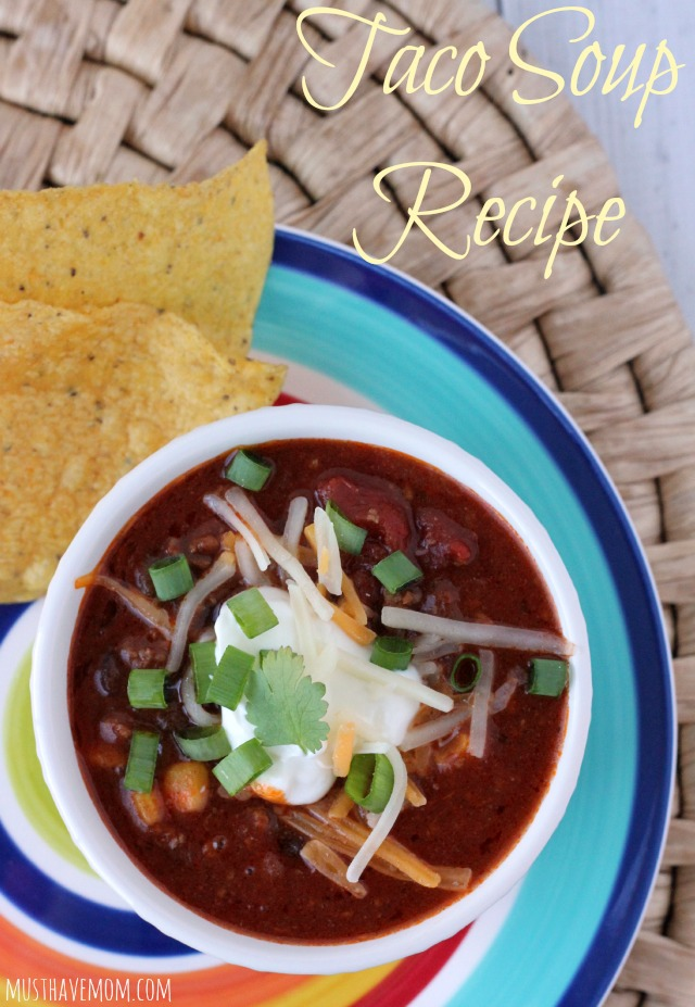 30 Minute Taco Soup Recipe for easy weeknight meals! Freezes well too!