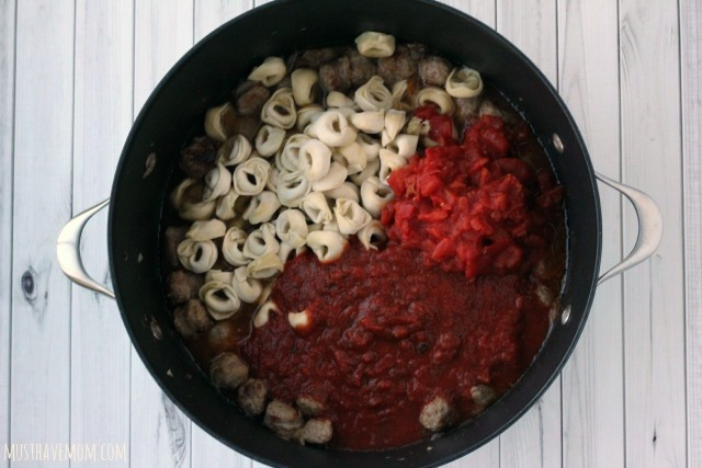 One Pot Tortellini and Sausage