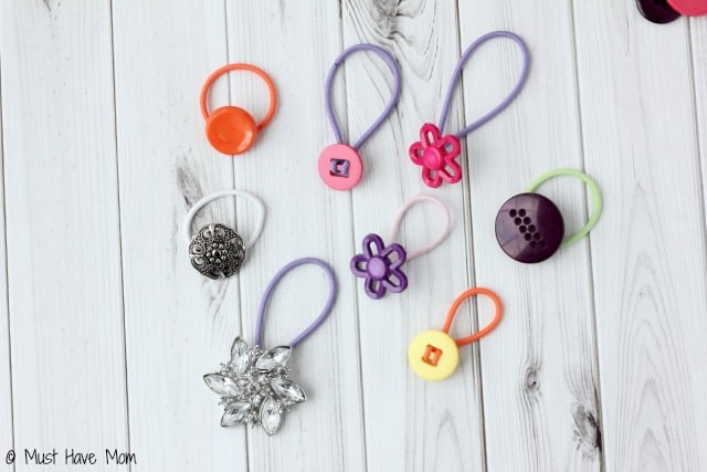 Turn A Button Into A Hair Tie In Under 5 Seconds!