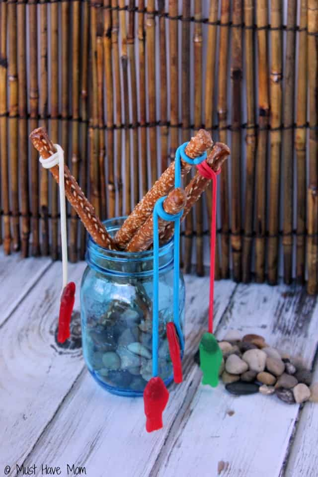 How to make Twizzlers Fishing Rods! Fun 4th of July food idea, fishing party food idea or fish kids activity idea!