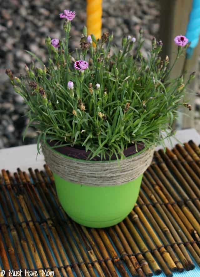DIY Flower Pot Makeover and Outdoor Oasis ideas on a budget!
