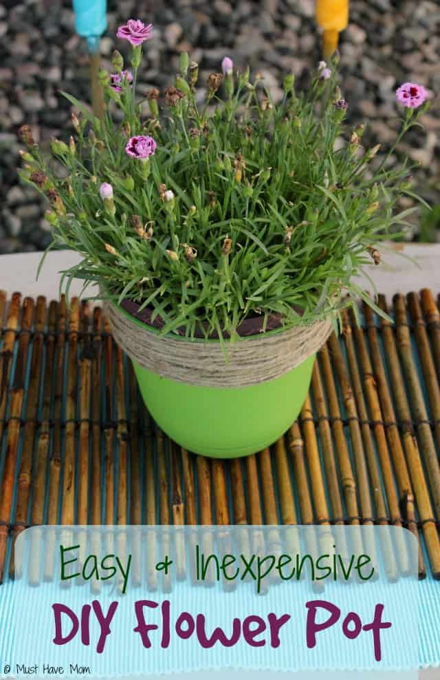 Easy and Inexpensive DIY Flower Pot Makeover! Use old pots and make them look new again!
