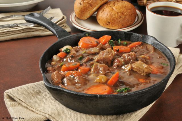 Homemade Beef Stew Recipe. Best beef stew recipe. Crockpot beef stew recipe. Great comfort food!