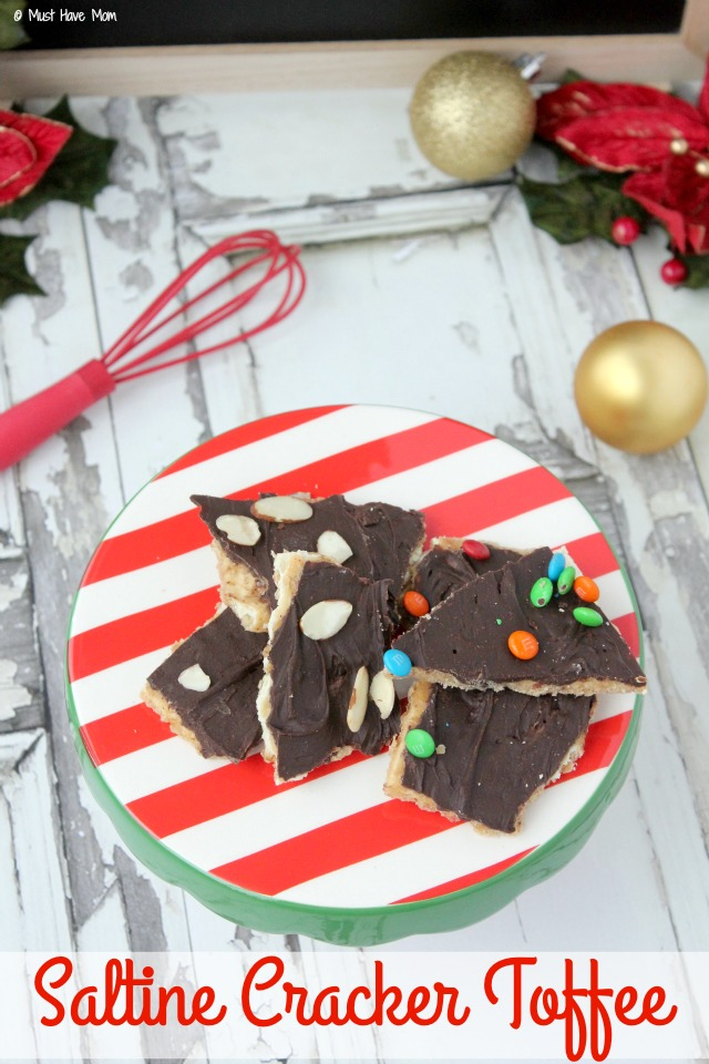 Easy Saltine Cracker Toffee Recipe! I have seen everyone raving about this and they are right! It's amazing and totally addicting! Easy to make recipe too!