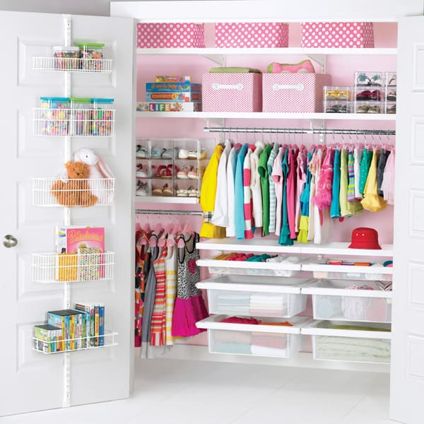 How to organize your kids closet! Tips and hacks to keep clothing and accessories neat and tidy. Plus ways to save money on kids clothes!