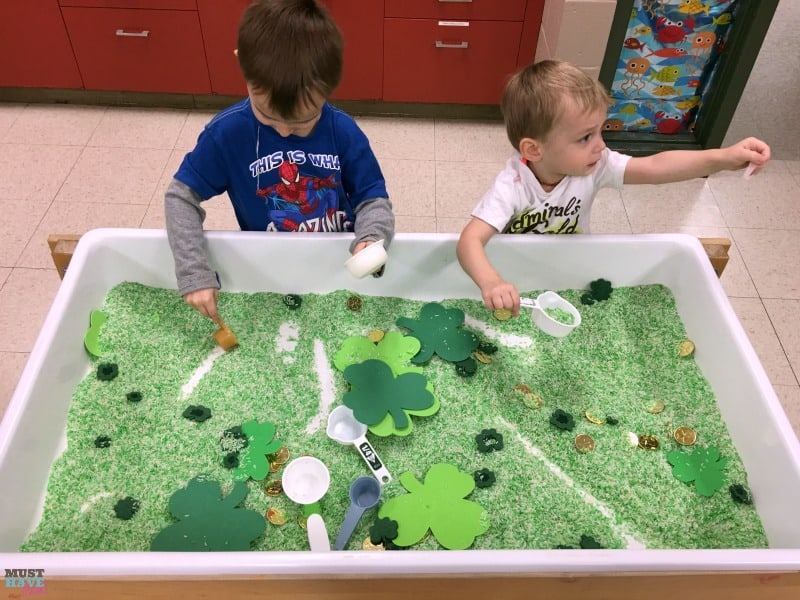 St. Patrick's Day Sensory Table & Instructions To Dye Your Rice Green! This fun green sensory rice DIY is the perfect St. Patrick's Day toddler activity or preschool activity!