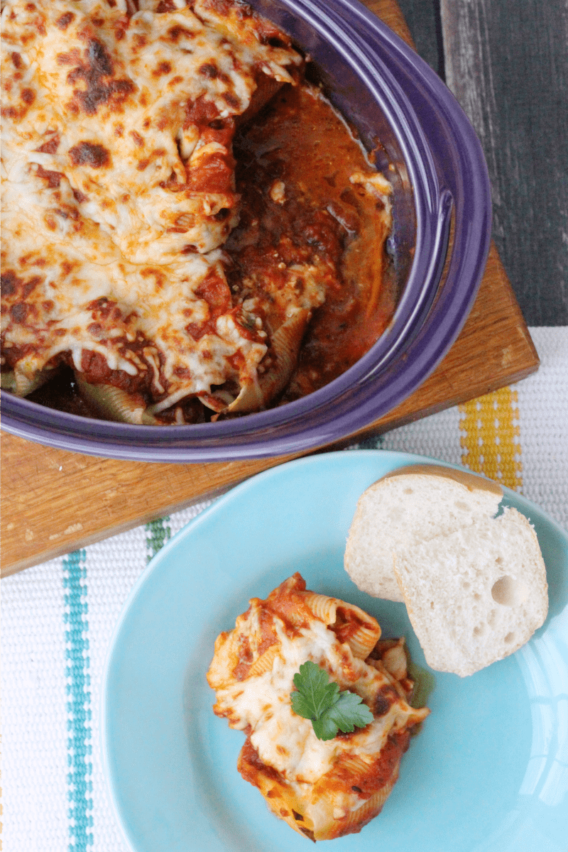 Easy Meatball Parmesan Stuffed Shells Recipe that the whole family will love! This is a great family recipe that makes for a quick and easy Italian dinner that tastes amazing!