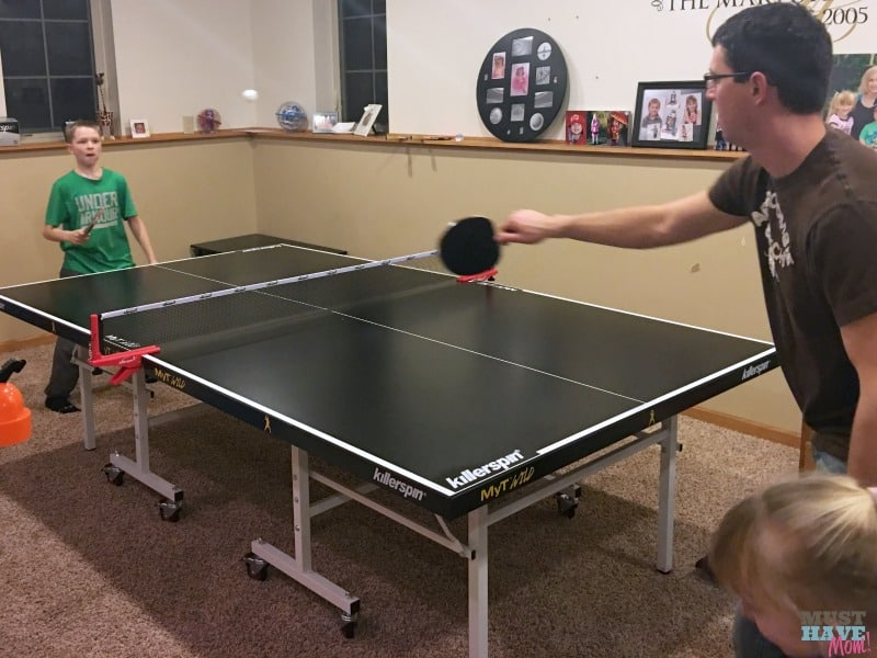 How to host a family ping pong tournament plus free printable ping pong tournament bracket. This is a great way to get the kids to put their phones and devices away and play!