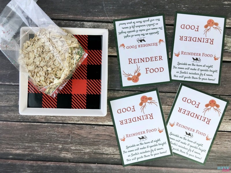 Santa's Magic Reindeer Food recipe and free printable reindeer food poem bag topper! Make this reindeer food to put out for Santa's reindeer on Christmas Eve!