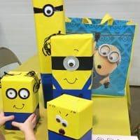 DIY Minion Gift Wrap Idea