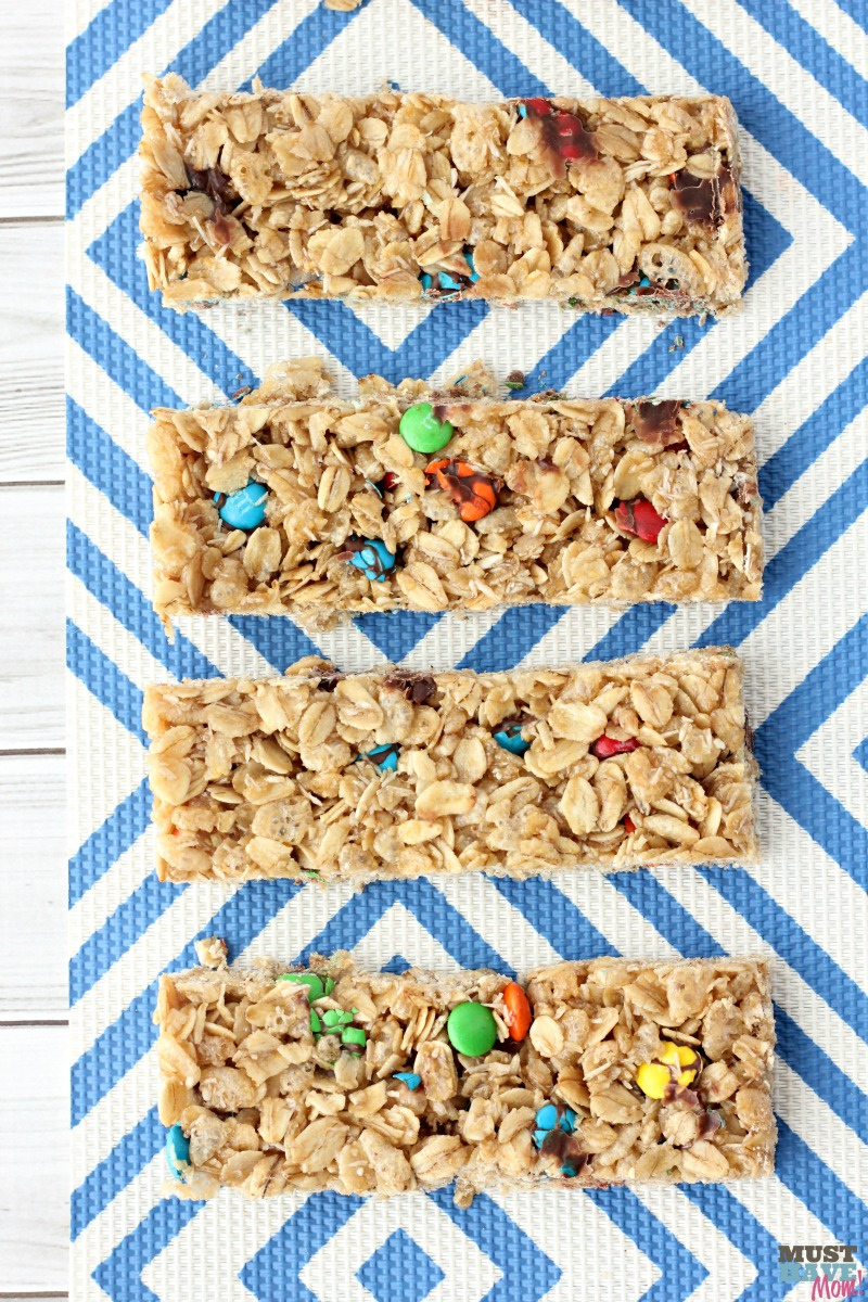 Easy homemade granola bars recipe base! 1 recipe with 8 different varieties! Homemade granola bar healthy, clean ingredients. She makes them every Sunday for the week!