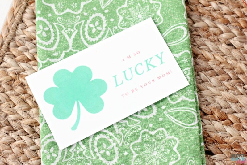 I'm lucky to be your mom free printable! Great for reminding your kids how special they are! Surprise them with a note at breakfast!