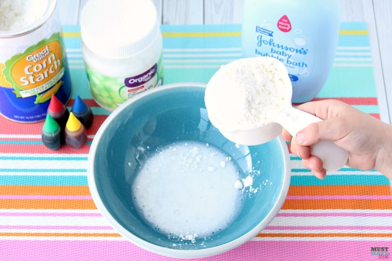 Lush Fun copycat recipe for bath tub play dough. Make homemade playdough with this bubble bath playdough recipe!