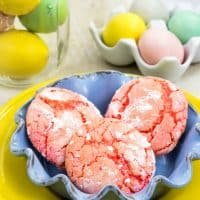 These easy strawberry crinkle cake mix cookies are the perfect way to get the kids cooking in the kitchen and make the perfect summer treat.