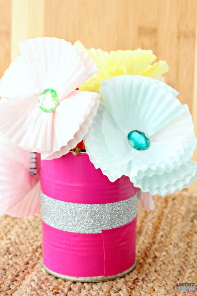 DIY Paper Flowers and Vase. Adorable Kids Craft for a Mother's Day gift idea.