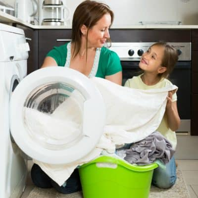 15+ Cleaning Tips For Busy Moms + Free Printable Cleaning Routine Schedule