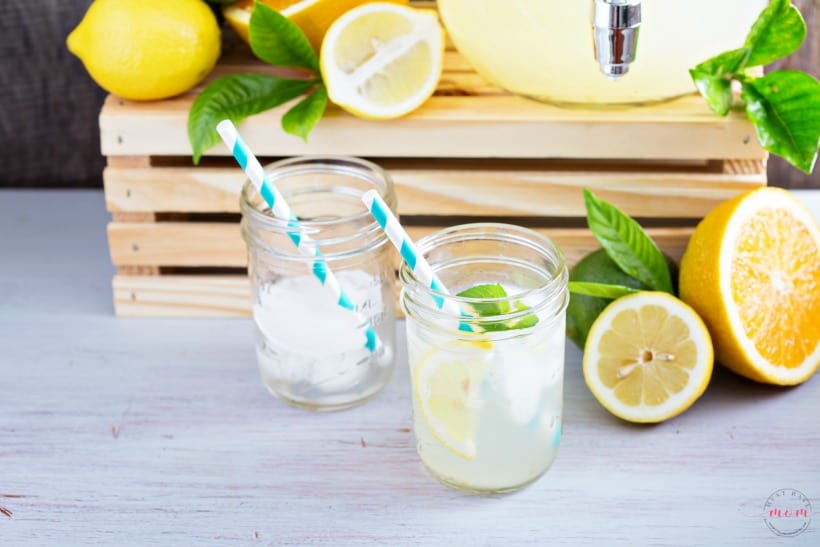 Homemade lemonade recipe with lemon juice!