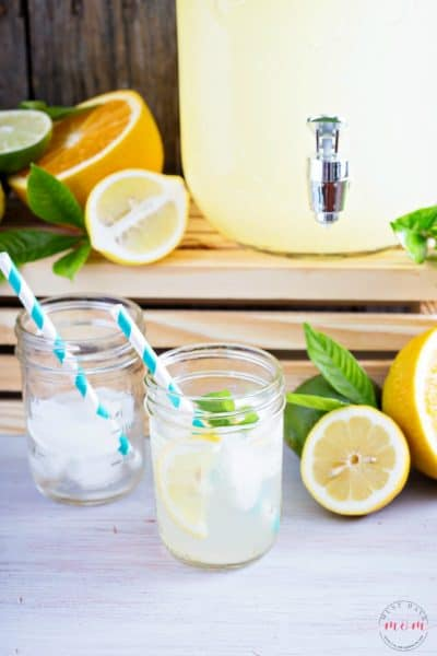 Lemonade recipe with lemon juice using real lemons and simple syrup