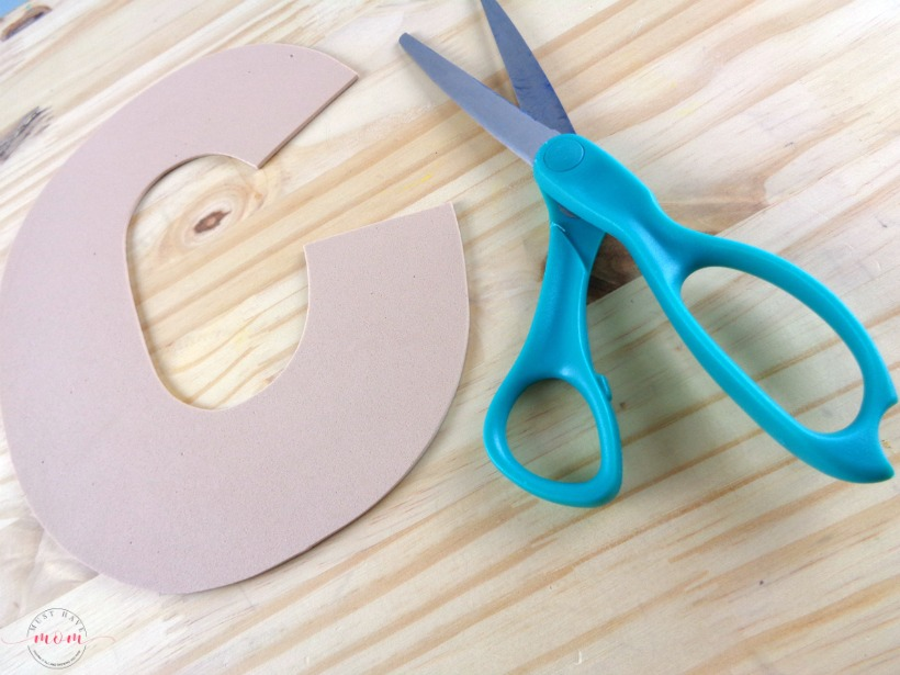 """Letter of the Week craft activity idea! Letter """"C"""" is for Chicken craft DIY tutorial and free printable letter C template."""
