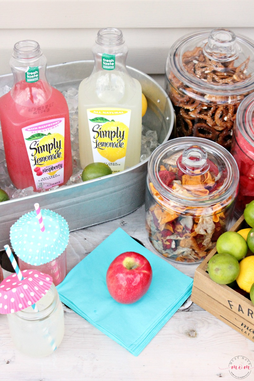 Outdoor party ideas you NEED to do for your next outdoor gathering. Awesome outdoor party hacks!
