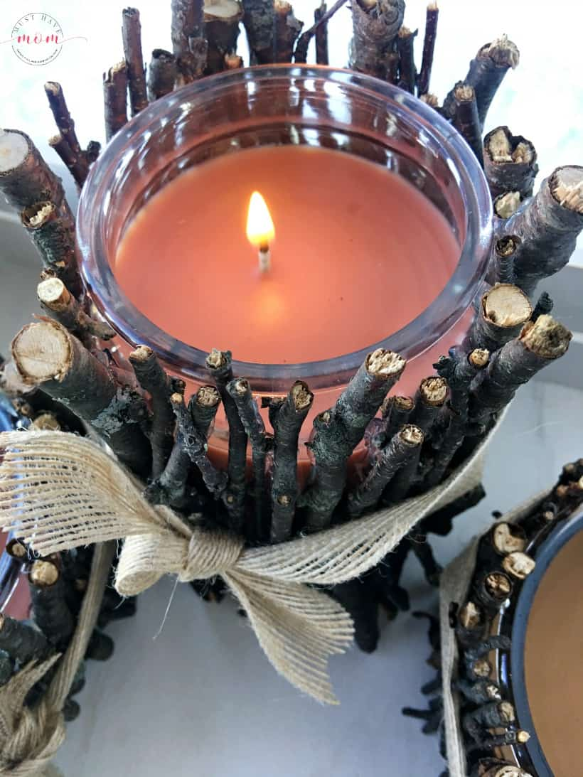 Easy, Inexpensive, rustic DIY candle holders that bring farmhouse style decor into the room or as a gift idea.