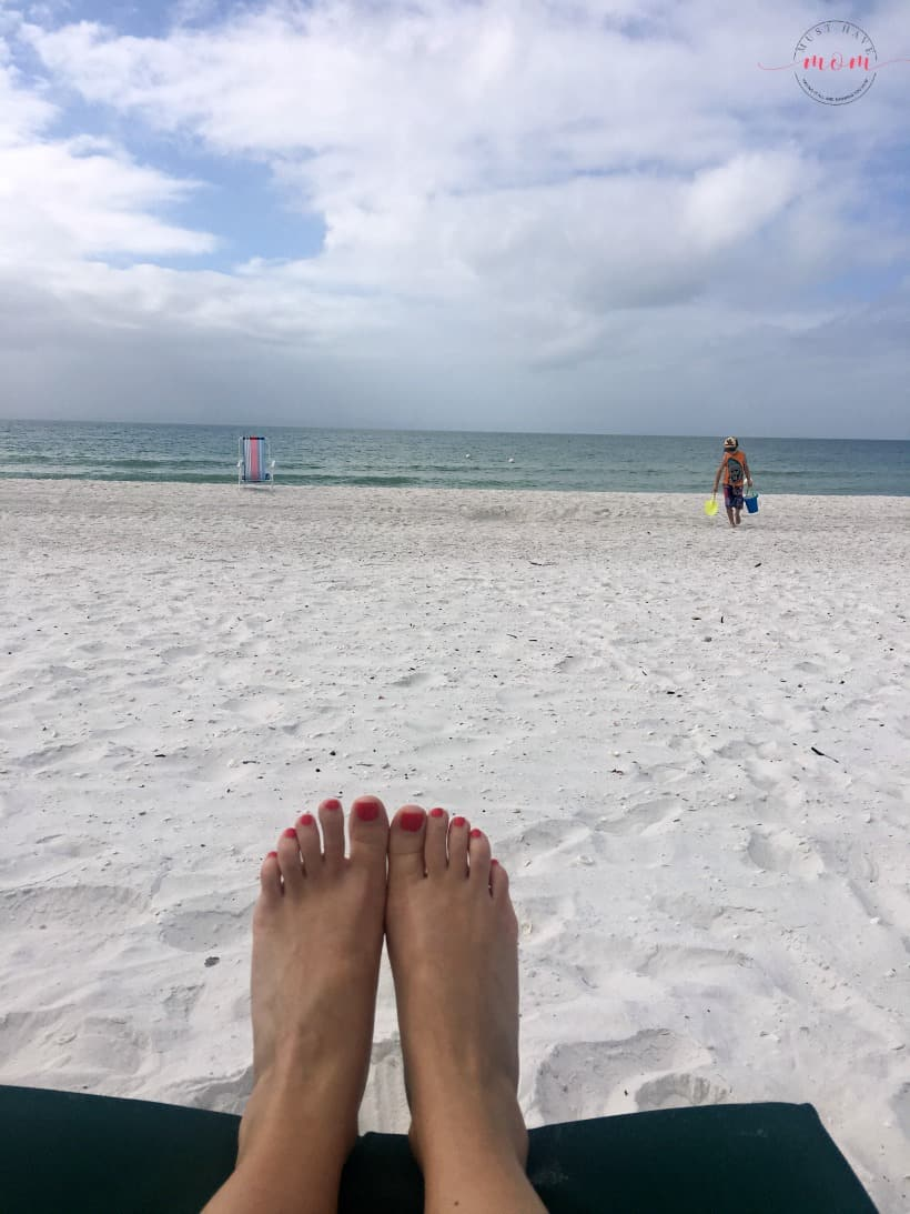 How We Use Rewards Credit Cards To Get TONS Of Free Stuff! (You Can Too) best rewards credit cards for travel, amazon and more.