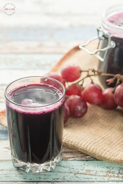 How to prevent the stomach flu with grape juice. Drinking grape juice changes the pH in your stomach and prevents the stomach bug.