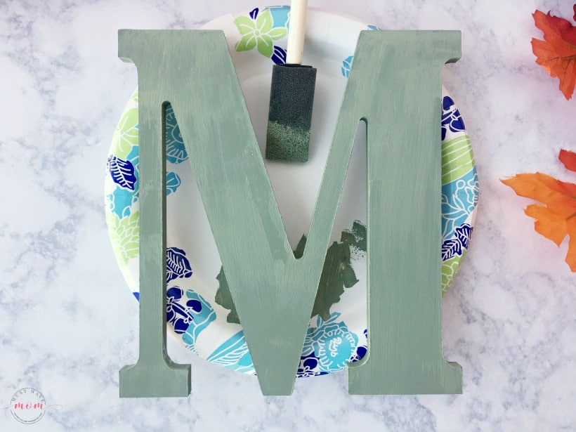 Easy wooden monogram fall sign DIY for porch or front door! Cute fall porch decor ideas!